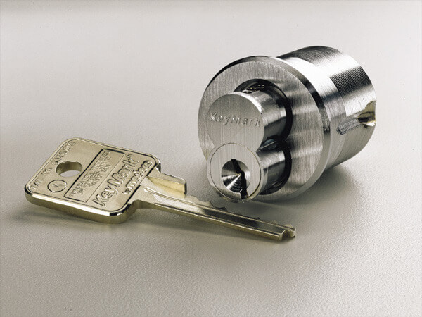 Key and lock cylinder